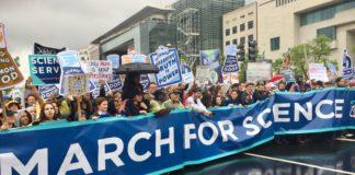 Científicos militantes