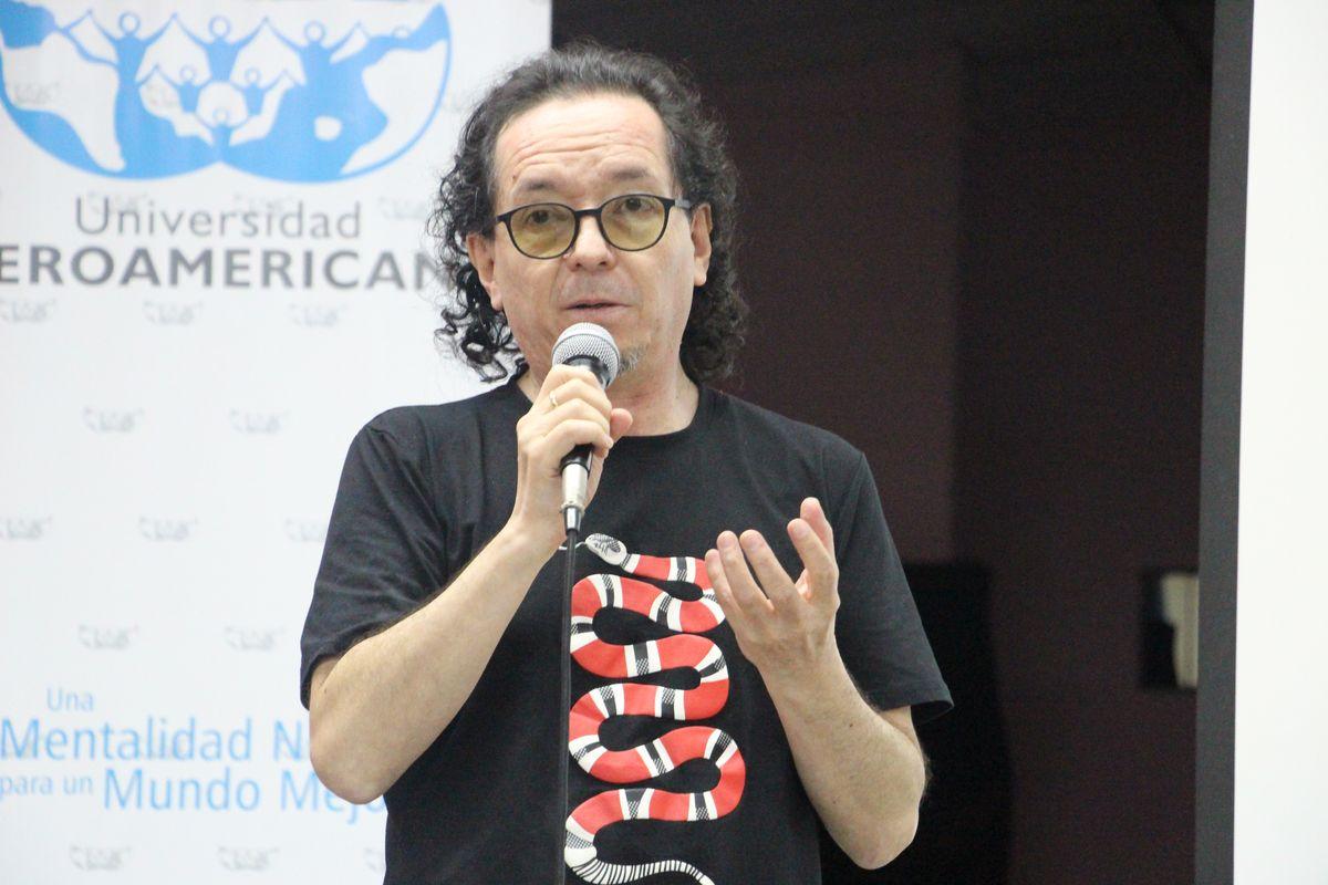 César Zapata