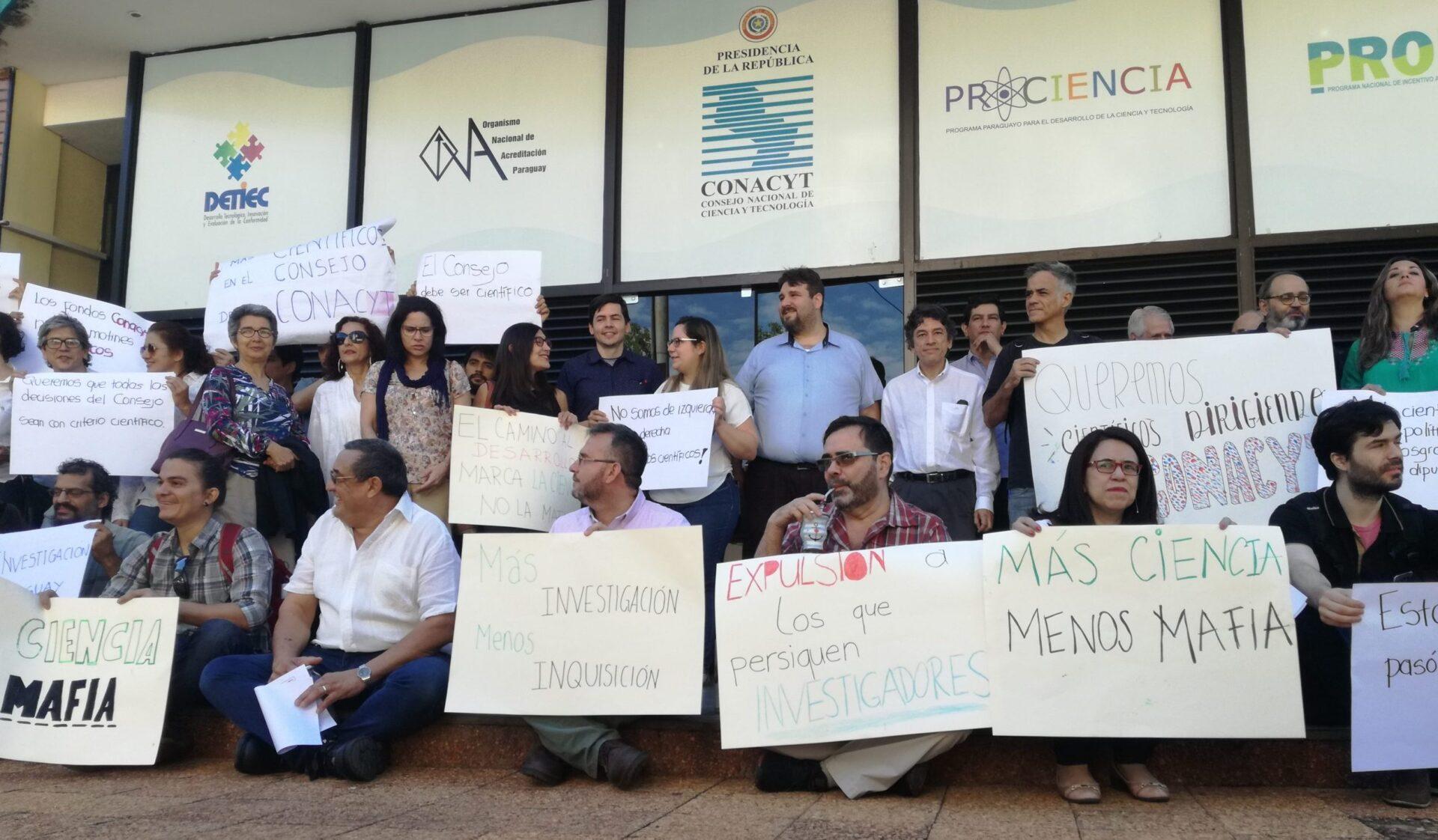 manifestación por la ciencia en paraguay